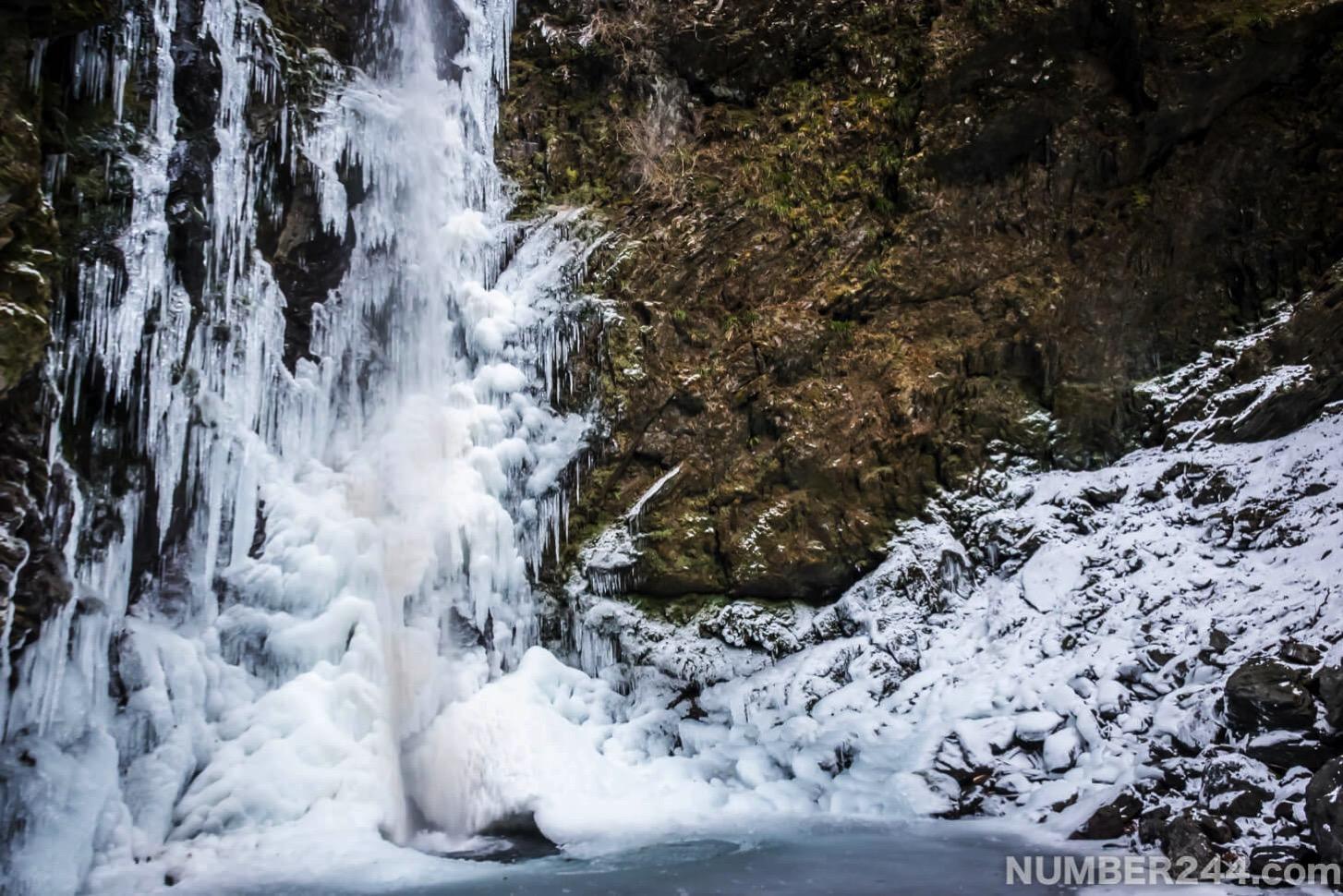 Jintsu waterfall icefall 8
