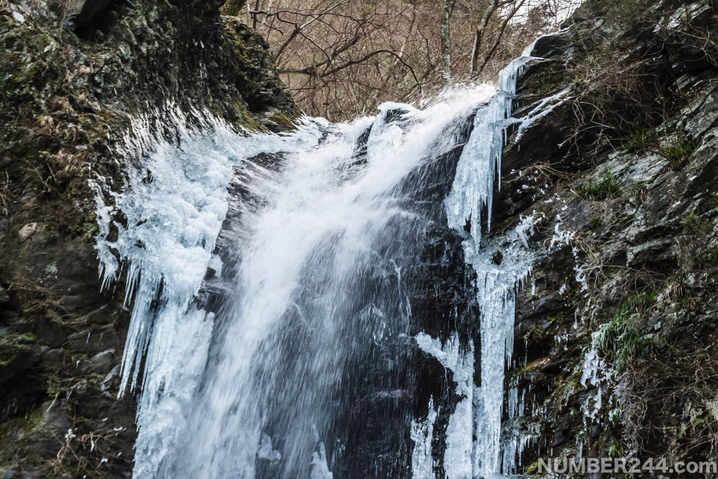Jintsu waterfall icefall 9